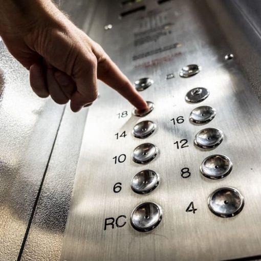 Instalación de un ascensor en una comunidad
